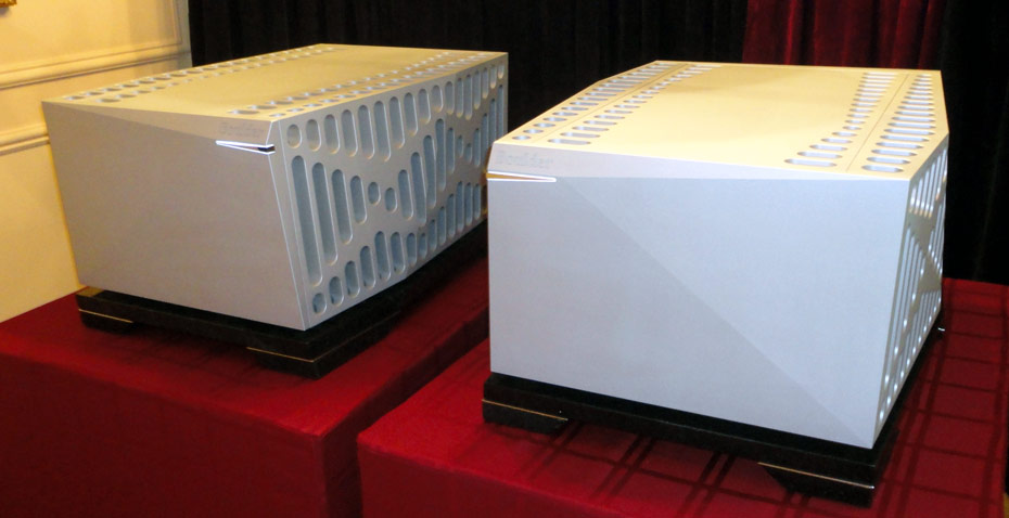Boulder 3050 monoblocks at CES 2011