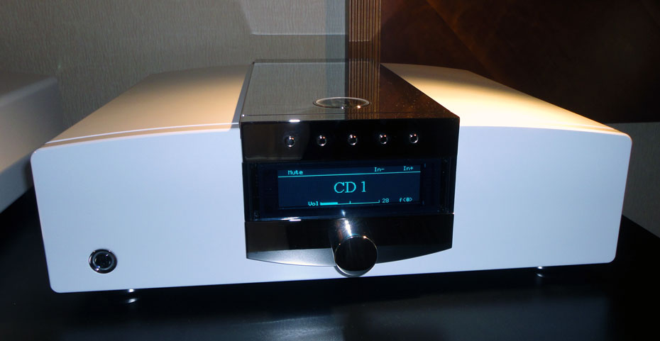 mbl C11 Preamplifier of the Corona Line