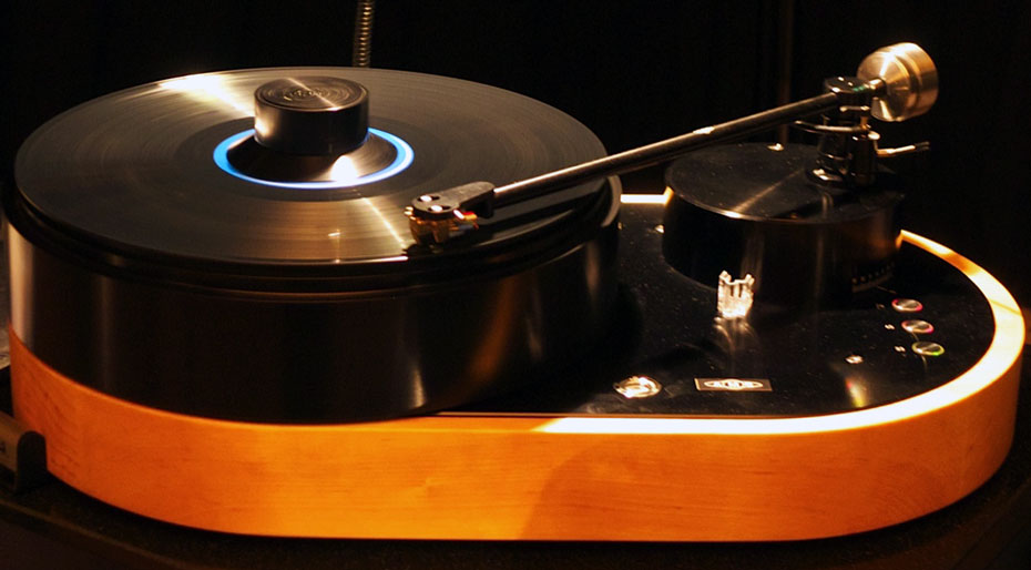 "AMG Viella 12 ""V12"" Turntable"