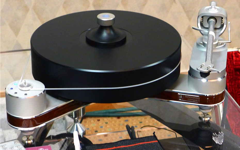 Clearaudio Innovation Wood Turntable