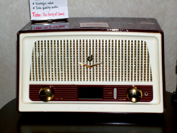 Retro Dreams Dared RD-1 Vacuum Tube Digital Radio