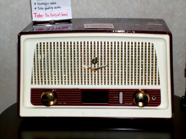 Retro Dreams Dared RD-1 Vacuum Tube Digital Radio