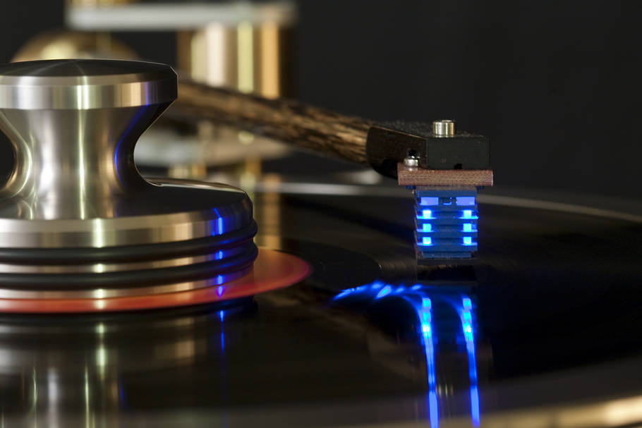 Sound Smith Strain-Guage Cartridge - photograph by Ross Bennett of ~ ImagePro Productions ~   imagepro@earthlink.net