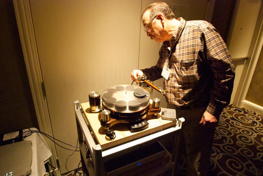 George Warren turntable at Axpona 2013