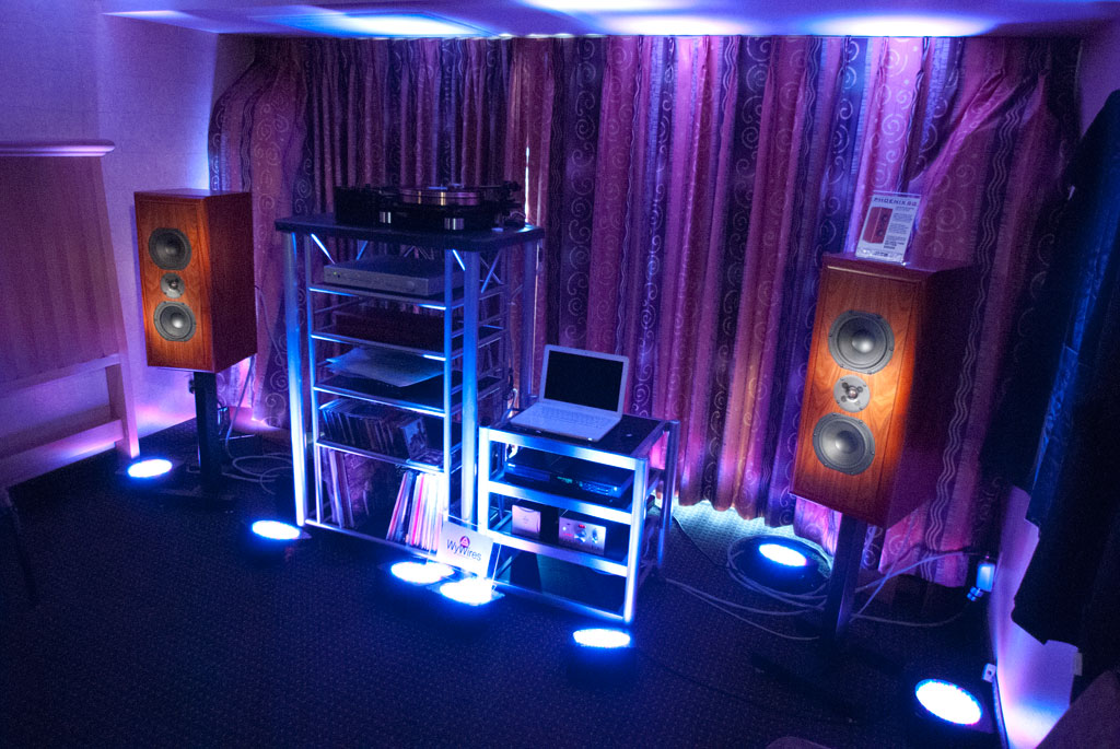 PRECISION TRANSDUCER ENGINEERING The Phoenix SG speakers - WyWires
