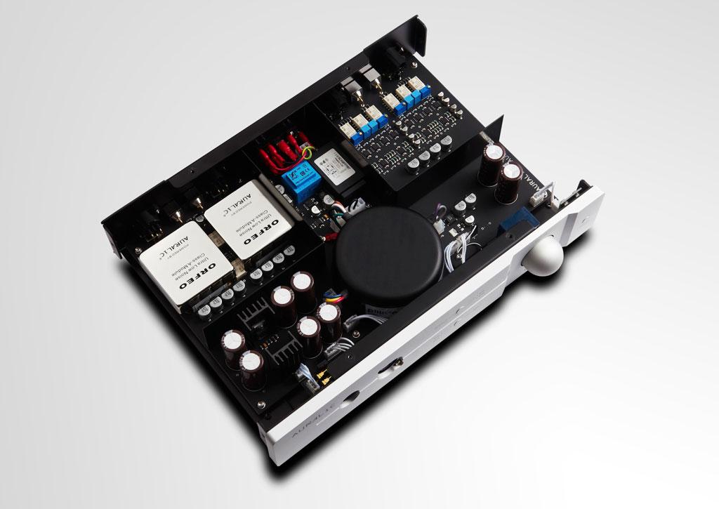 AURALiC  Reference Grade  TAURUS MKII Balanced Headphone Amplifier insides